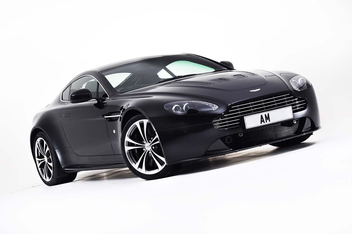 Aston Martin V12 in Studio